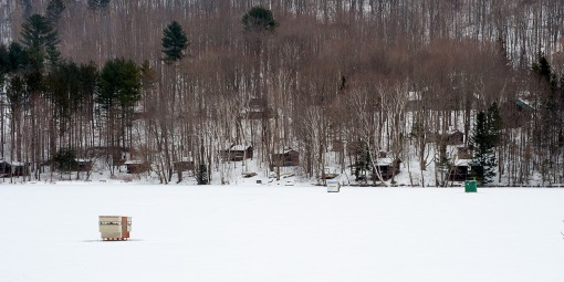 DSC_1636-Ice-fishing-shacks-Vermont